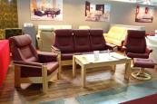 sedačka York v čalounění kůže s přírodním bukovým masivem v sestavě trojkřeslo+křeslo+křeslo otočné polohovací